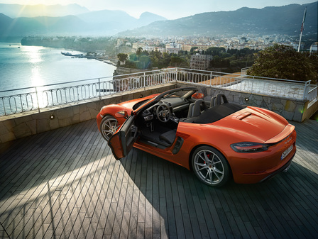 The new 718 Boxster S. For the sport of it.